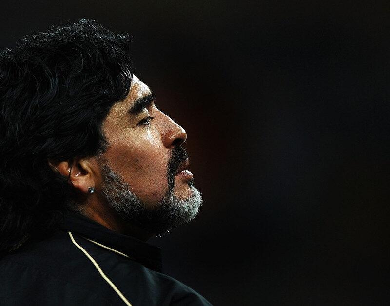 Maradona: custodios reconocieron que había alcohol en su casa